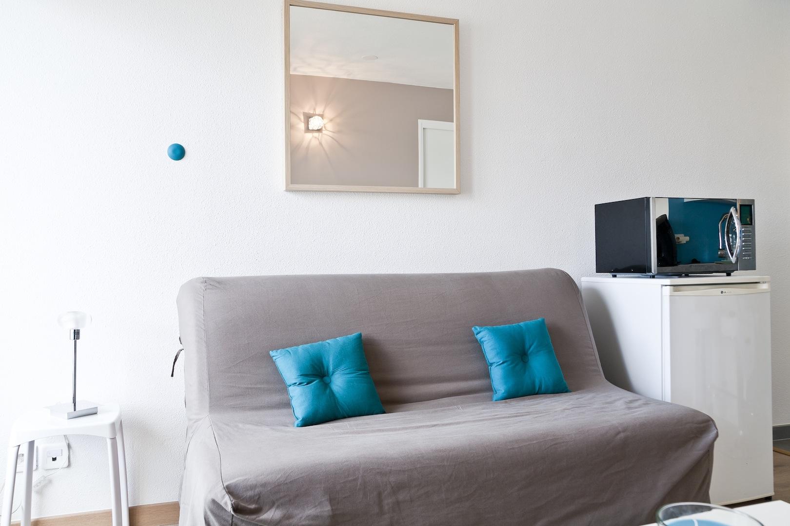 08 appart h tel nantes g te urbain meubl en centre ville de nantes appart h tel nantes. Black Bedroom Furniture Sets. Home Design Ideas