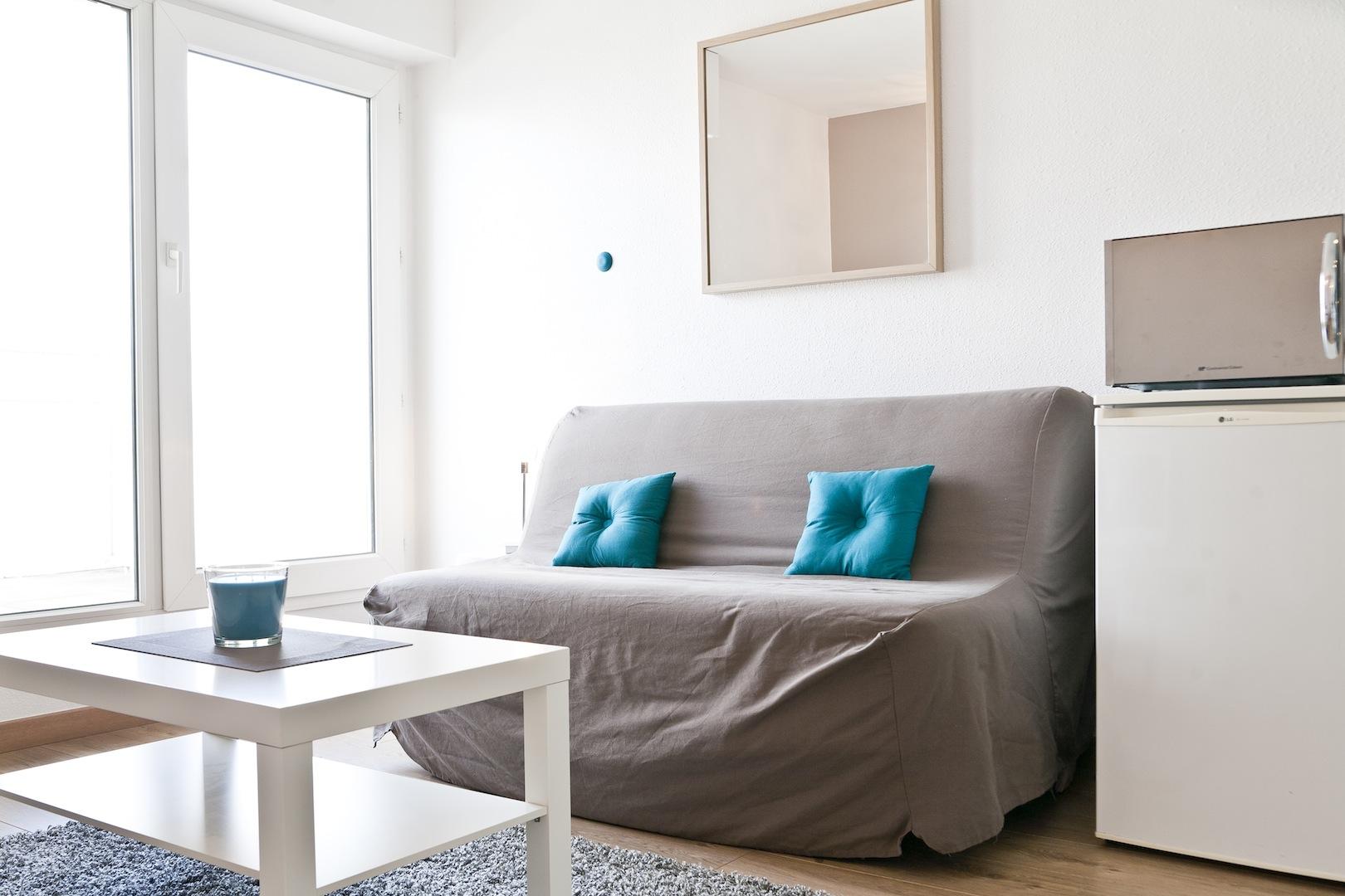 17 appart h tel nantes g te urbain meubl en centre ville de nantes appart h tel nantes. Black Bedroom Furniture Sets. Home Design Ideas